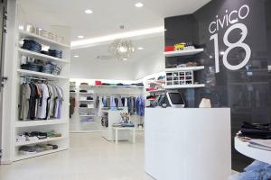 aredamento negozio abbigliamento