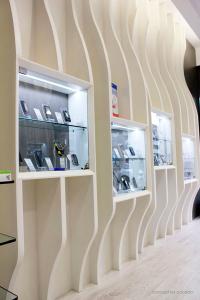 progettazione negozio telefonia Milano
